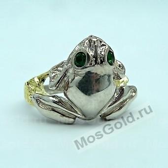 Кольцо лягушка из золота с зелеными фианитами