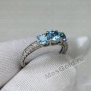 Золотое кольцо с топазами и бриллиантами