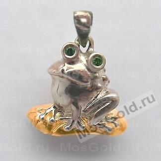 Кулон с лягушкой