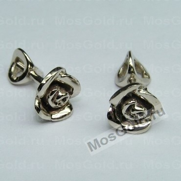 Серьги в виде роз