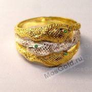Кольцо змеи с изумрудами