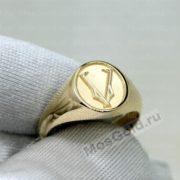 Кольцо V — victory, золото и серебро