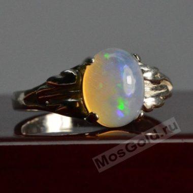 Оригинальное кольца с опалом