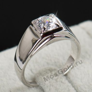 Мужской перстень с цирконом