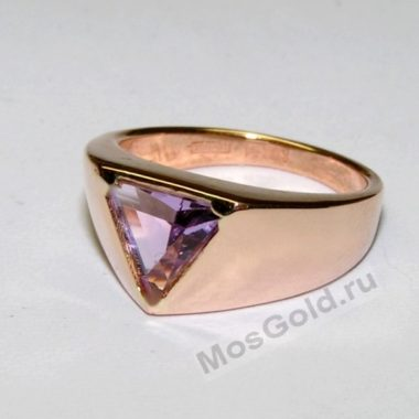 Перстень мужской с треугольной вставкой