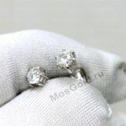 Небольшие золотые гвоздики с бриллиантами